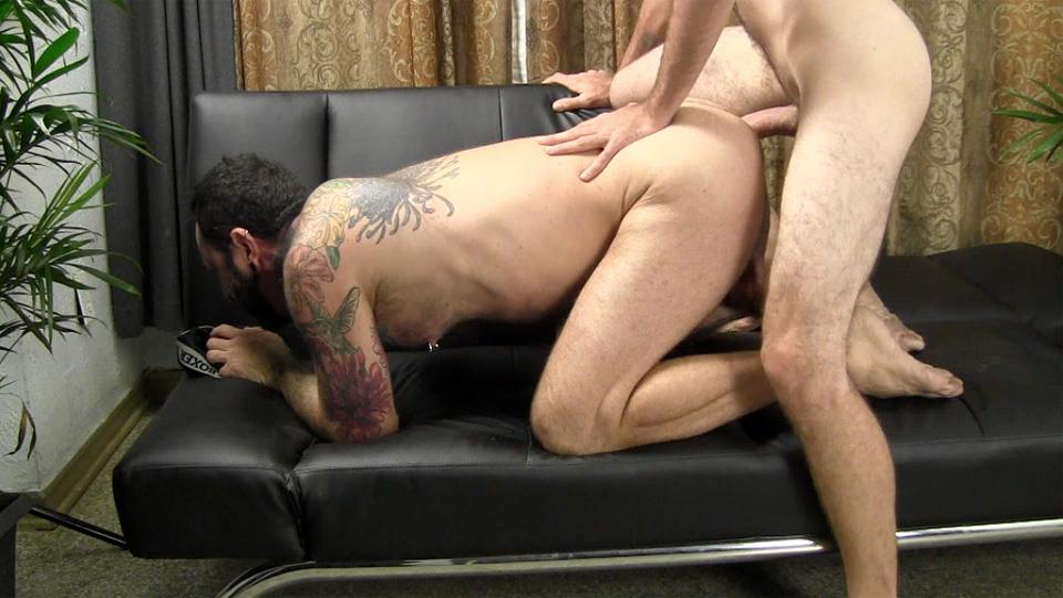 Straight Fraternity Reese Straight Young Guy Barebacking a Hairy Muscle Daddy Amateur Gay Porn 22 Amateur Young Straight Guy Barebacks a Hairy Muscle Daddy